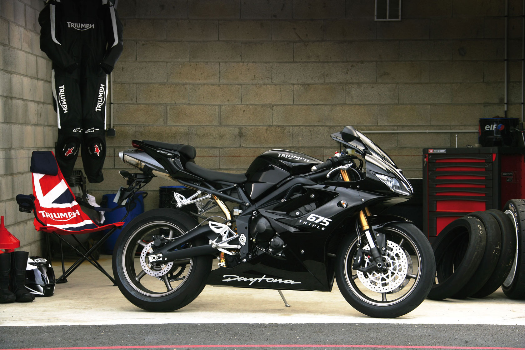 2009-Triumph-Daytona675