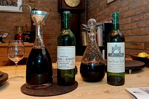 300px-Lynch_Bages_1970;_Leoville-Las-Cases_1970_in_decanters
